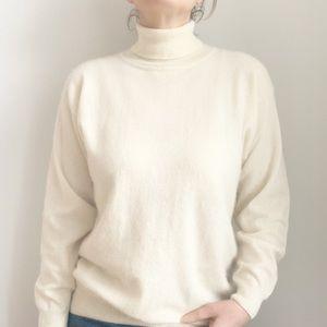 💛 Simons Cream Turtleneck Wool Blend Sweater L
